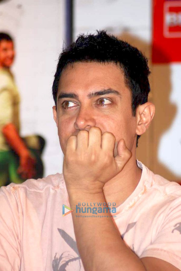 Aamir Khan at DVD launch of the film '3 Idiots'