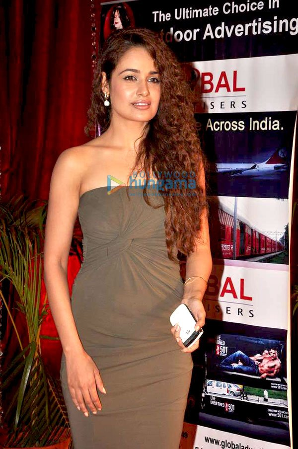 Yuvika Chaudhary at 11th Indian Television Academy Awards 2011