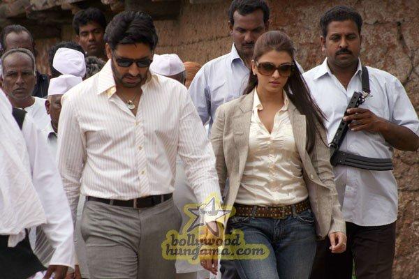 Sarkar Raj, Amitabh Bachchan, Abhishek Bachchan, Aishwarya Rai, Govind Namdeo, Tanisha Mukherjee,