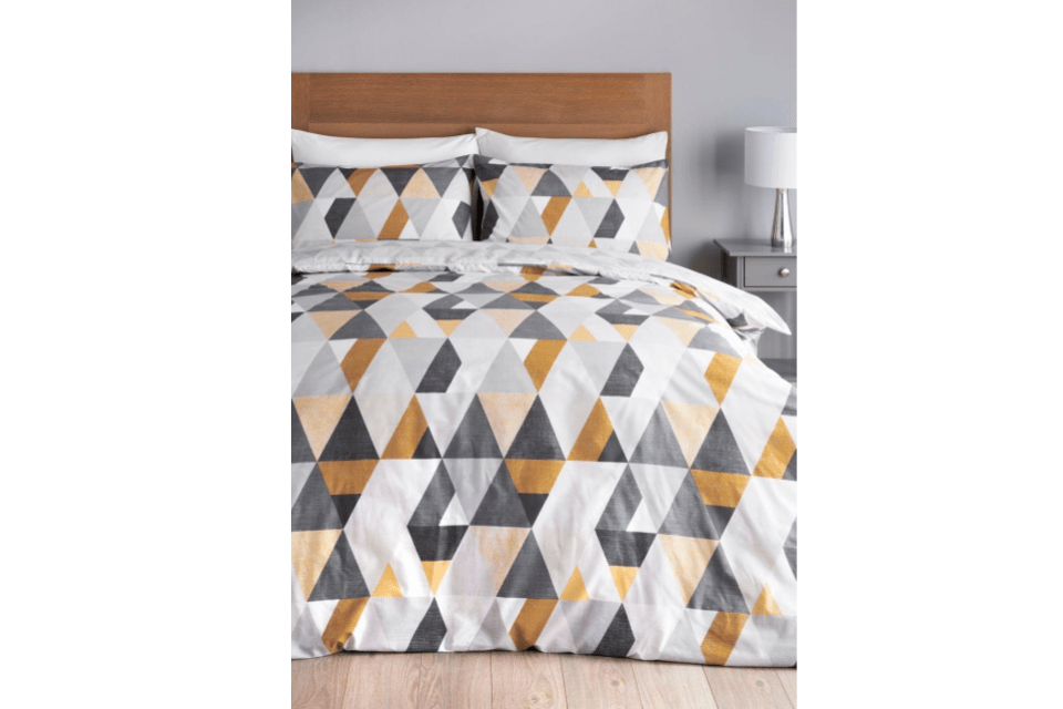 10 Best Bedding Sets For Students Starting From Just 13