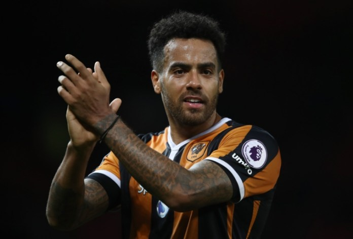 MANCHESTER, ENGLAND - FEBRUARY 01: Tom Huddlestone of Hull City celebrates after the Premier League match between Manchester United and Hull City at Old Trafford on February 1, 2017 in Manchester, England. (Photo by Julian Finney/Getty Images)