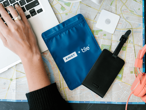 review away luggage tag tile slim is