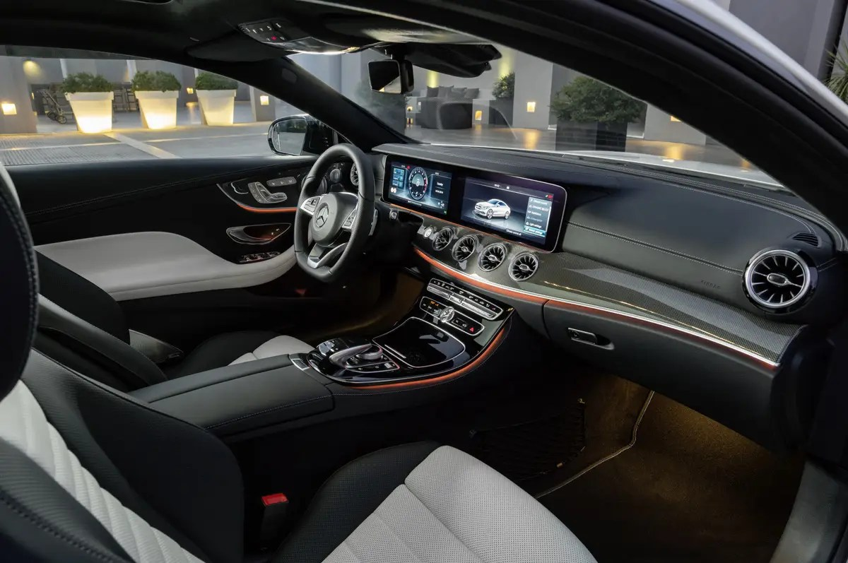 mercedes e400 coupe is ambient lighting