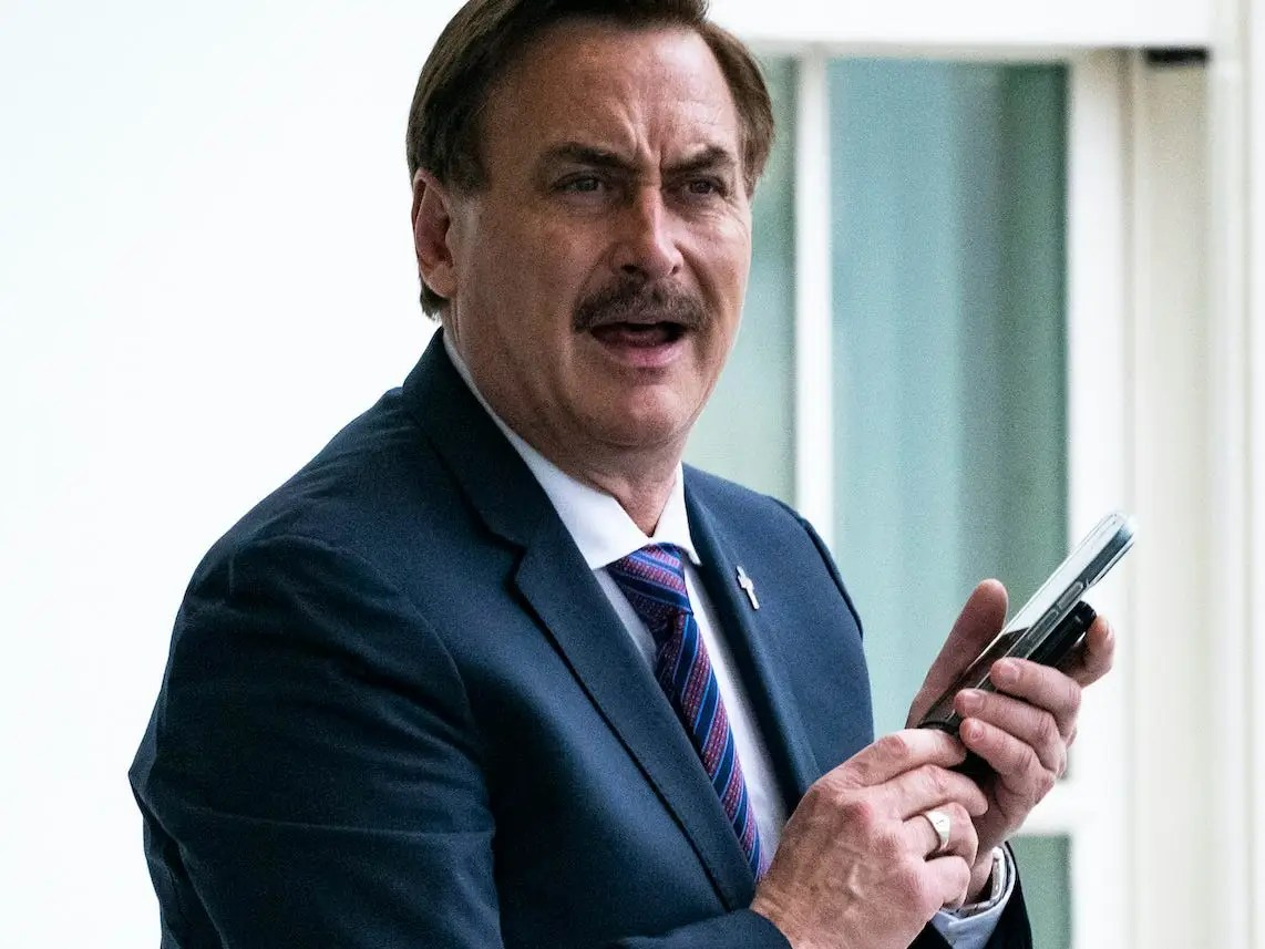 mike lindell slams fox news for not