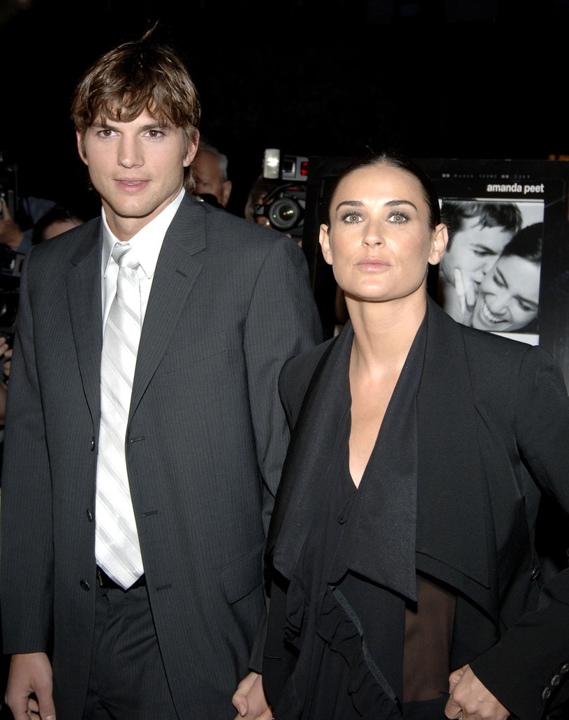 Ashton Kutcher and Demi Moore in 2005 / Jamie McCarthy / Getty Images