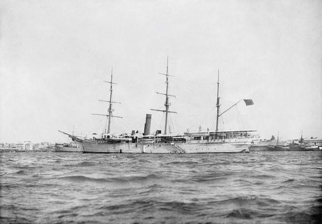 """HHS """"Glasgow"""" - zanzibarski jacht królewski zatopiony w czasie starć w porcie /Wikimedia Commons /materiały prasowe"""