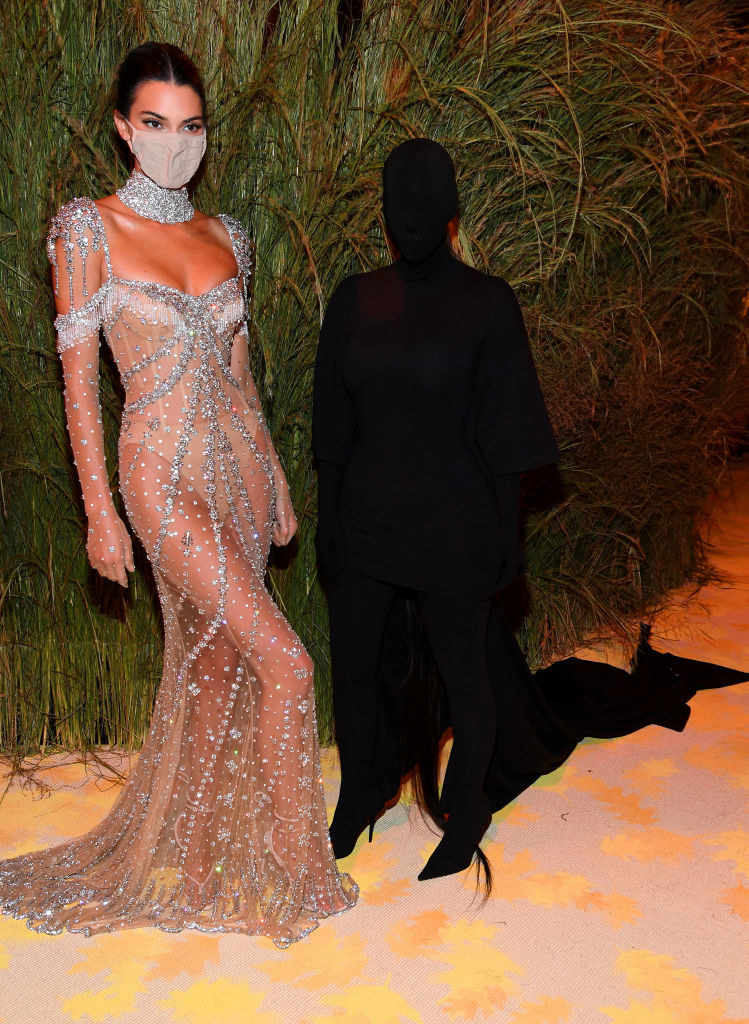 Kim Kardashian and Kendall Jenner at the MET Gala / Kevin Mazur / MG21 / Getty Images