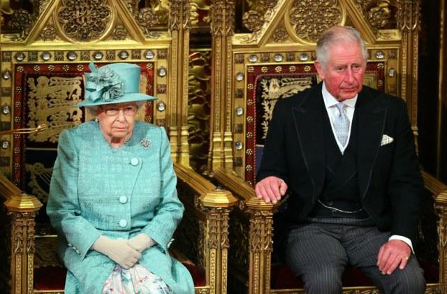 Królowa Elżbieta II i książę Karol /WPA Pool /Getty Images