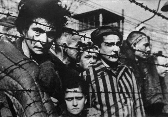 Liczba ofiar marszów śmierci to około 15 tysięcy więźniów obozów koncentracyjnych /AFP