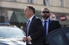"""""""Rzeczpospolita"""": Mundurowych ciągnie do VIP-ów"""