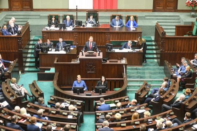 Sejm wysłuchuje wystąpienia ministra zdrowia /Jacek Domiński /Reporter