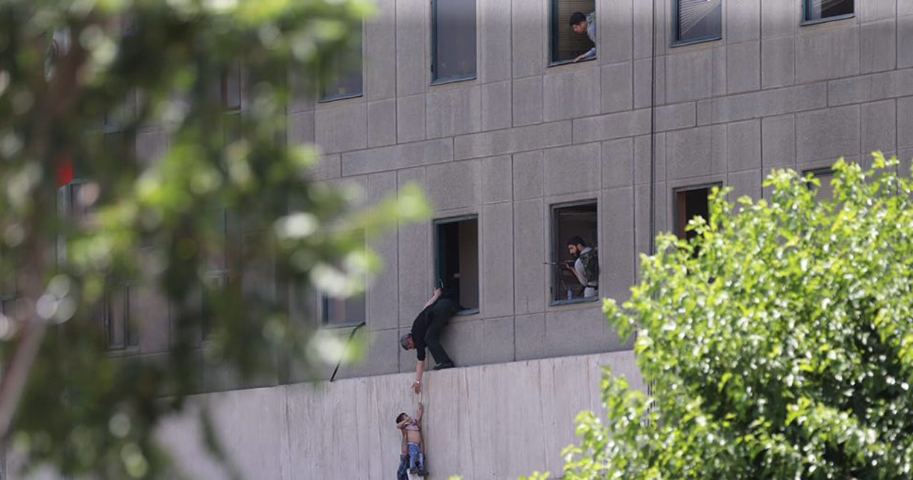 Terroryści z ISIS zaatakowali w Teheranie