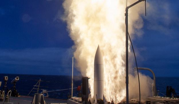 Umieszczenie głowicy E na rakietach przeciwlotniczych może znacząco poprawić ich skuteczność                  Fot. US Navy /materiały prasowe