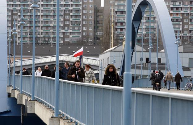 Wzmocniono patrole policyjne wokół granicznego mostu w Słubicach (zdjęcie ilustracyjne) /Piotr Małecki /FORUM