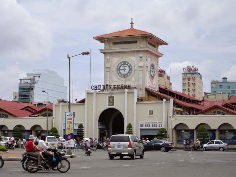 Không chỉ thuần túy là nơi buôn bán, gần 100 năm qua Chợ Bến Thành đã trở thành một chứng nhân lịch sử, chứng kiến bao thay đổi thăng trầm của thành phố.