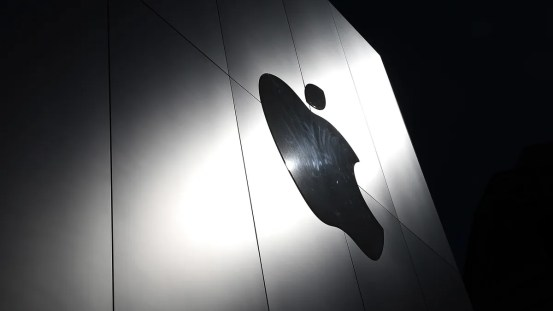 Users are watching Apple's tracking tags for the first time