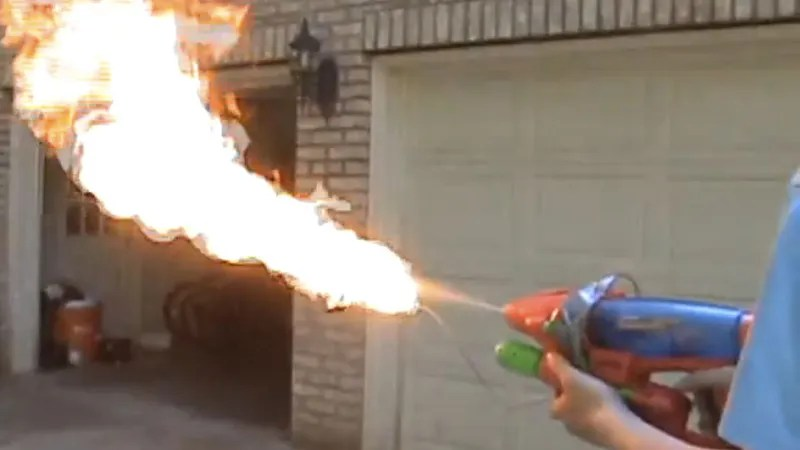 7 Deadly Weapons You Should Never Ever Make Out of Harmless Household Items