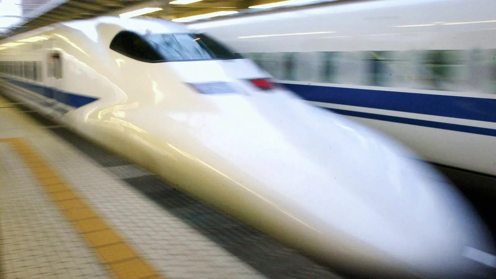 Police Find Human Body Parts In Crack In Japanese Bullet Train S Nose