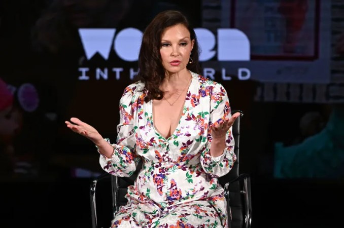Illustration for article titled Ashley Judd On Georgia's Abortion Ban: 'I Would've Had to Co-Parent With My Rapist'