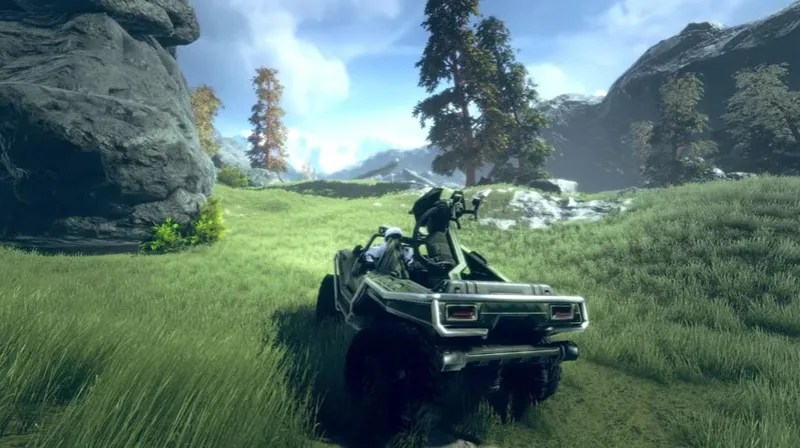 Fans Building New Halo Game On PC A group of over 30 Halo fans from around the world  fed up with the limited  options available to them on the PC  have decided to make their own  multiplayer