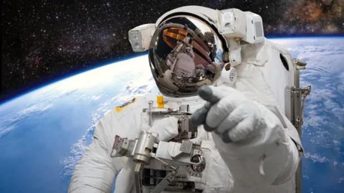Resultado de imagen para correo fraudulento de nigeriano en el espacio