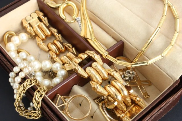 Various Procedures to Sell Your Jewelry