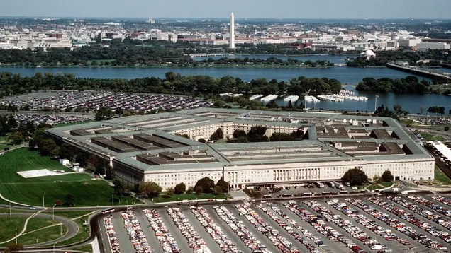 24c4e02acc6627e1df12cb685a053ad9 GOP Cyber Committee Member Dumped Microsoft Stock Not Long Before the Pentagon Nixed JEDI Deal | Gizmodo