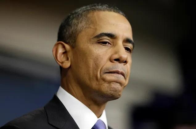 Obama sale en defensa de Internet, pide considerarlo un servicio básico