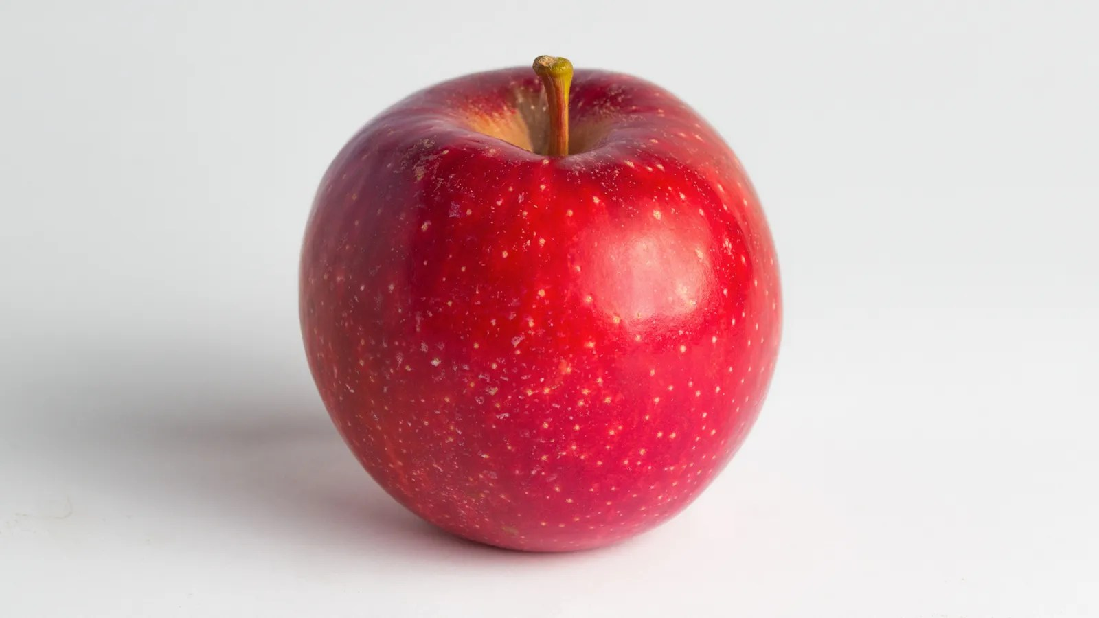 Woman Fined 500 For Taking Her In Flight Apple Off The Plane