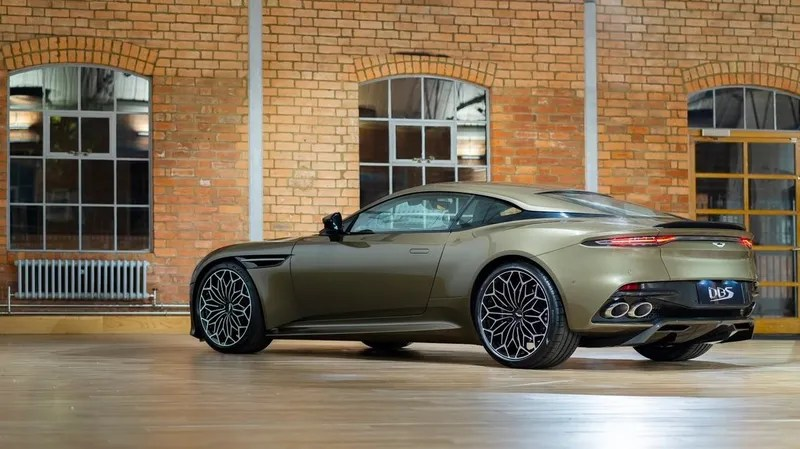 zatnxg4wnnha6cmnjk6h - This Aston Martin Has Most Excellent Wheels