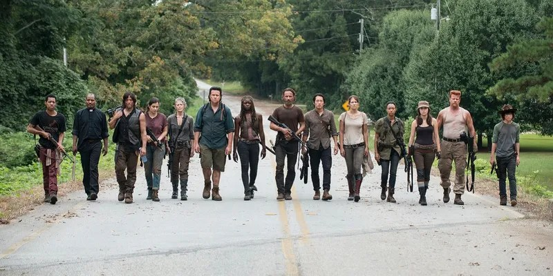 The Walking Dead Season 6 Will Start with the Most Zombies Ever
