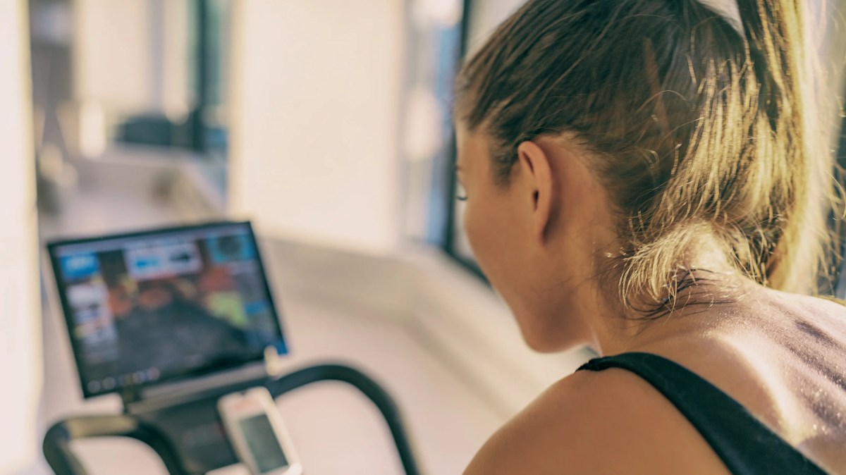 How to Give a Fitness Gift That's Not Insulting