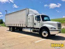 https www machinio com cat box truck straight truck curtain side