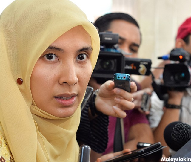 Theres Something About Nurul Izzah Anwar And Latheefa Koya Din