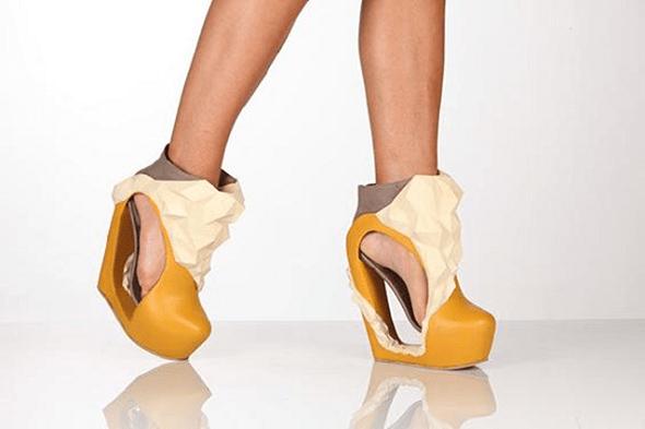 Katrien Herdewyn ve Frederik Brussels'in 3D baskılı yüksek topuklu ayakkabıları