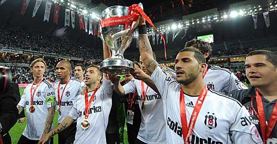 Beşiktaş şike davası sonuçlanana kadar Türkiye Kupasını iade etti
