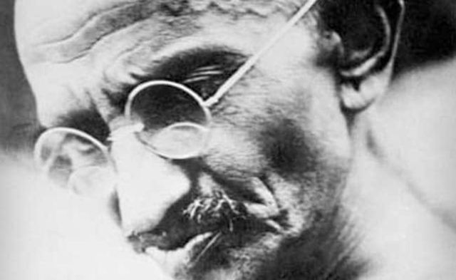 क्या कहा था गांधी ने नारेबाज़ी की मारामारी पर