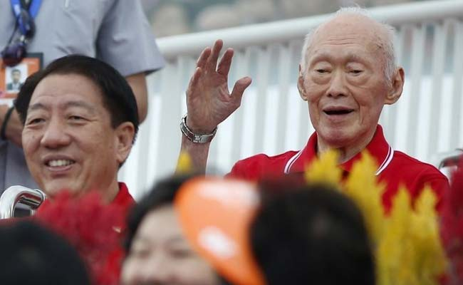 Singapore's Lee Kuan Yew Still Critical as Police Probe Fake Death Report
