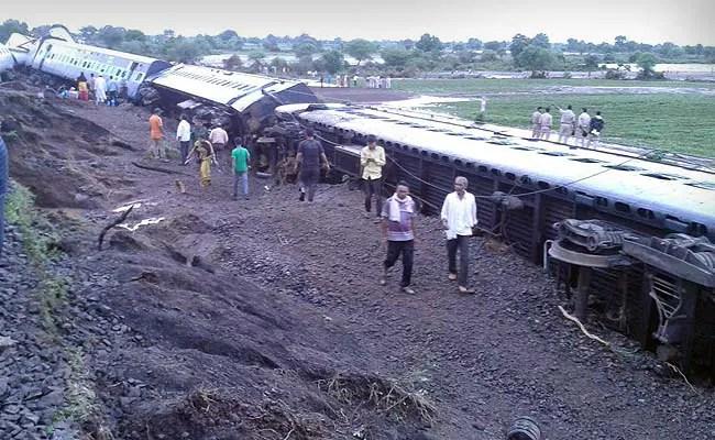 24 Dead as Kamayani, Janata Express Trains Derail in Madhya Pradesh: Latest Developments