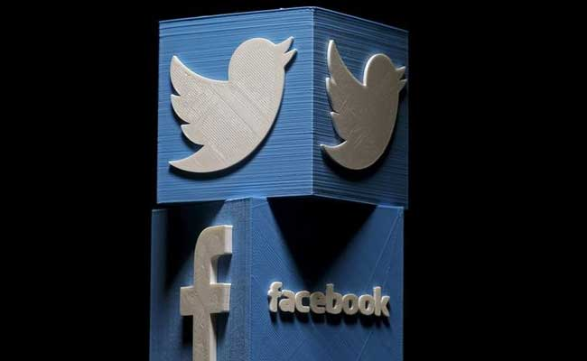 Facebook, Twitter More Likely To Create Echo Chambers:  Study