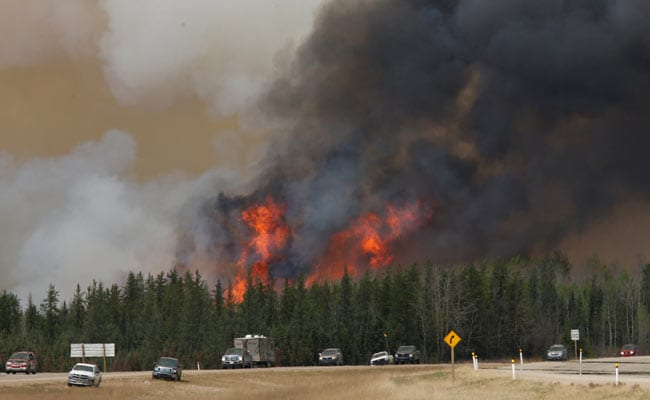 Military On Standby To Evacuate Fire-Threatened Towns In Western Canada