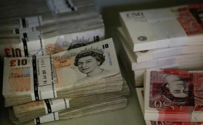 2 Men Caught Leaving London For Dubai With Cash-Filled Suitcases