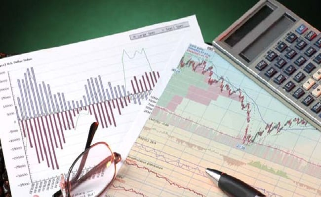 Mutual Funds Or Stocks: What Beginners Should Remember While Starting Their Investment Journey