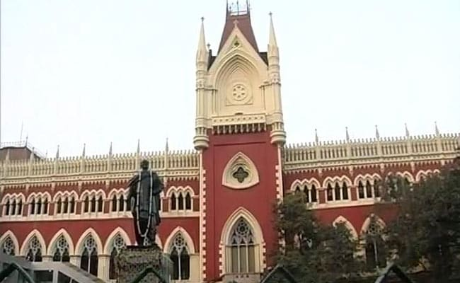 Election Commission Faces Court's Wrath Over Bengal Polls Amid Covid