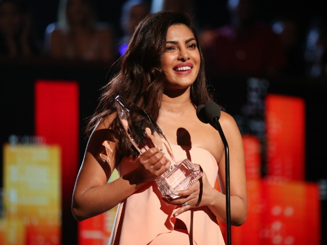 priyanka chopra won second people choice award