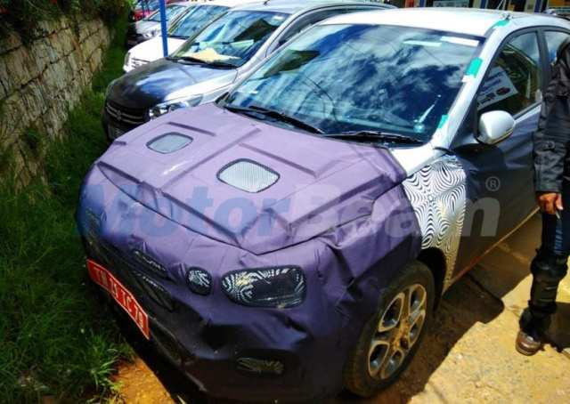hyundai i20 facelift spied