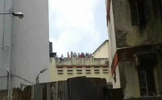 Prisoners rioting after the murder of Manjula Shetye.