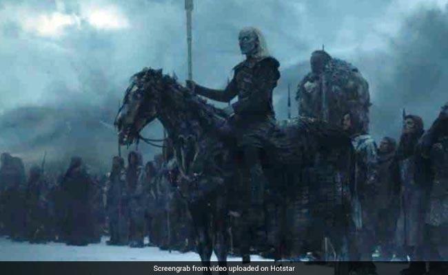 Did You Miss This Tiny Detail In Game Of Thrones Finale's Last Scene?