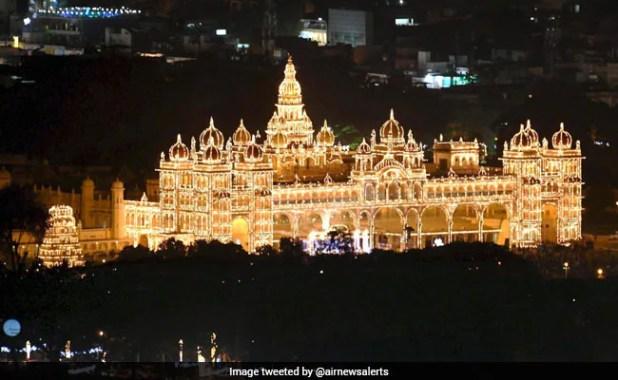 Dussehra 2017: Mysuru Palace Lights Up For Mysuru Dasara Festival. See Stunning Pics