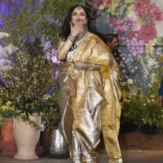 Rekha at Sonam's wedding